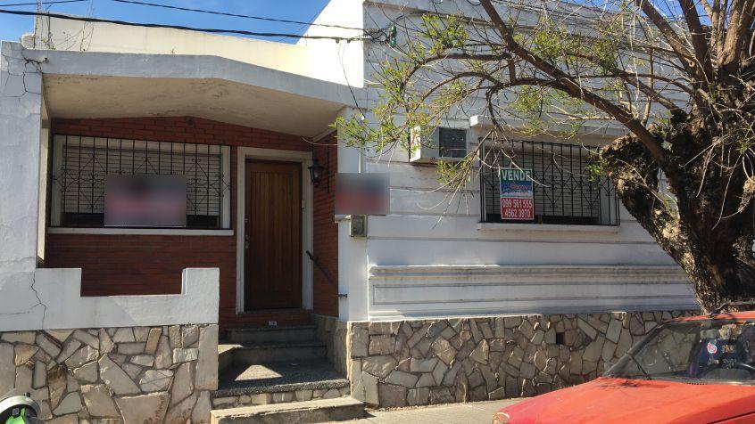Imagen 1 Alquiler casa de 2 dormitorios y patio.