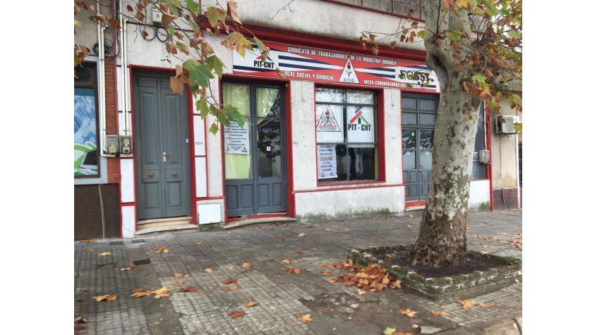 Imagen 2 Local comercial y apto con 2 dormitorios