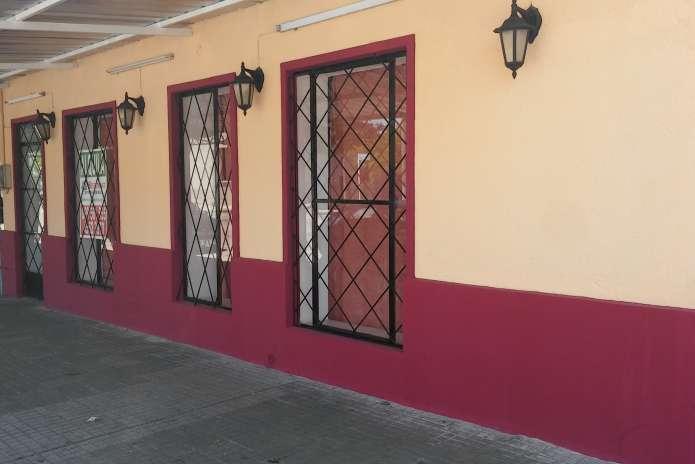 Salon Parrillada/Rotiseria con Muebles.