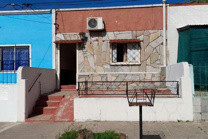 Casa de dos dormitorios con patio