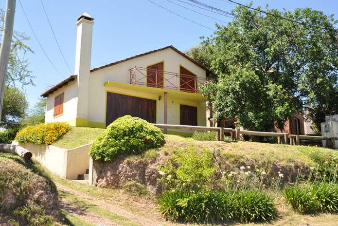 """La casa de """"Laura y Juan""""."""