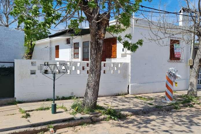 Casa en Alquiler.Barrio J3.